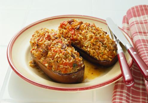 ricetta vegetariana: le melanzane ripiene di riso ricetteatavola.net - Come Cucinare Le Melanzane Ripiene