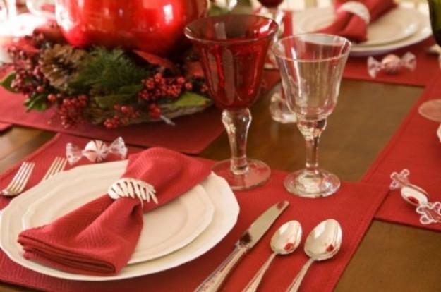 Come apparecchiare la tavola di natale ricette a tavola - Disposizione bicchieri a tavola ...