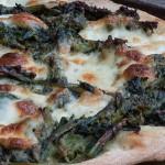 Ricetta: pizza alle cime di rapa mediterranea