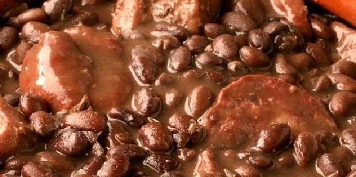 Secondo piatto: costine di maiale ai fagioli neri