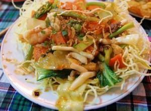 fritto di pesce e vermicelli di riso