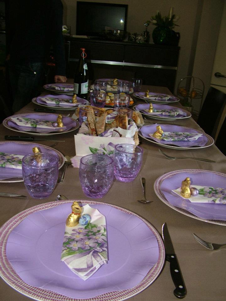Decorazioni a tavola come apparecchiare la tavola a pasqua - Apparecchiare una tavola elegante ...