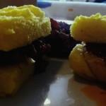 Antipasto: quadratini di polenta con castagne