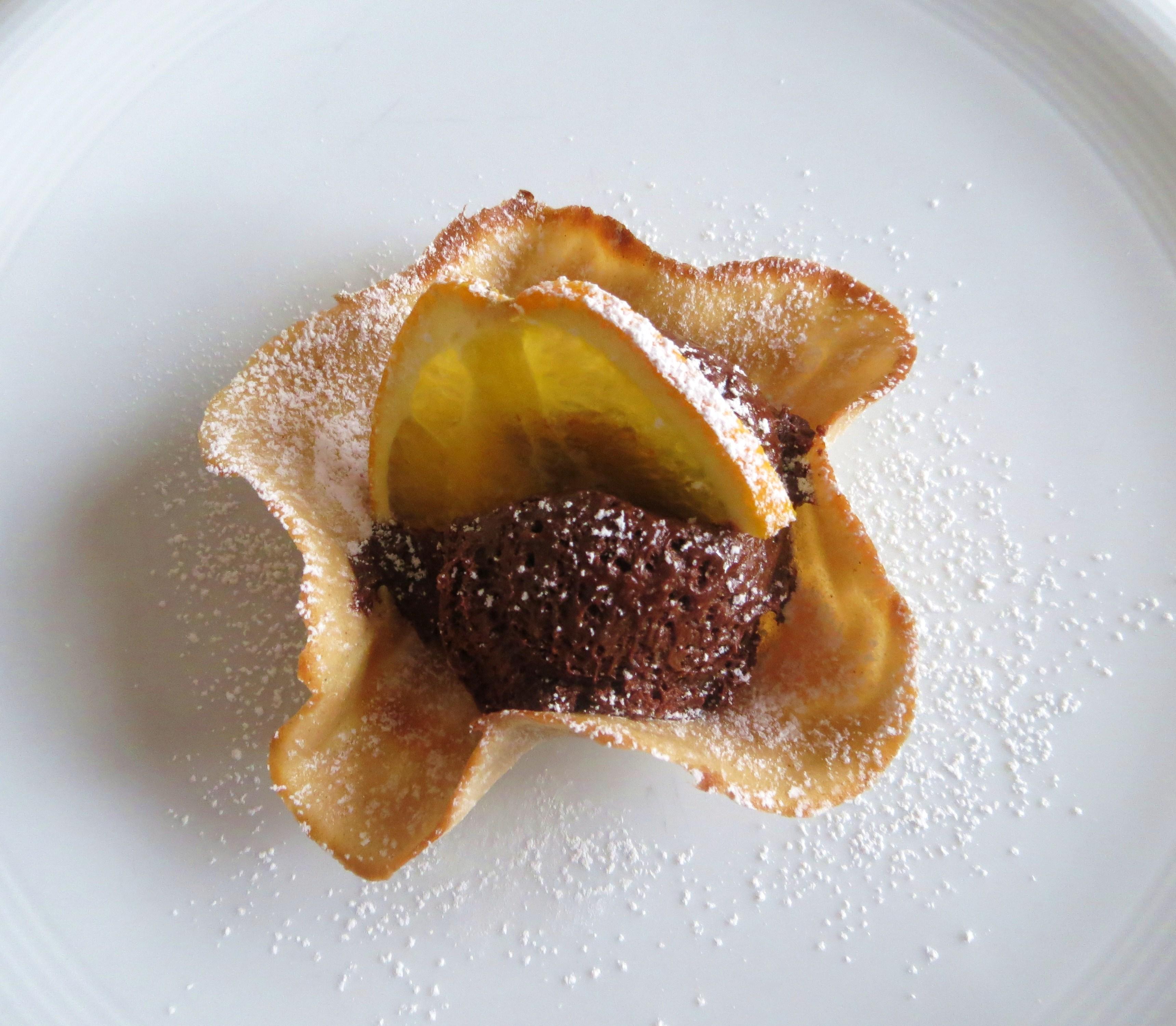 Dolce: Mousse al cioccolato in cialda di castagne