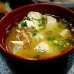 Zuppa di miso al tofu: una ricetta sana e invernale